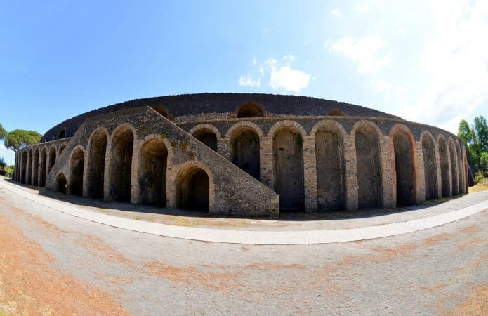Visitare gli scavi:l'anfiteatro di Pompei. Biglietti