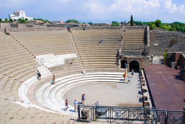 Cosa vedere a Pompei in un giorno: il teatro grande
