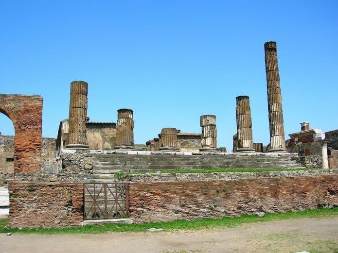 Visitare gli scavi di Pomepei: Tempio di Giove
